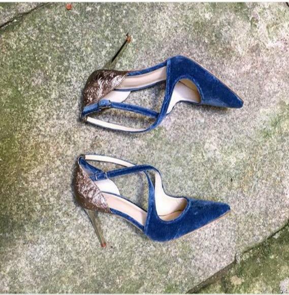 originales zapatos azules para novia o invitada